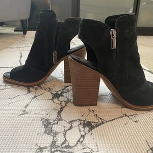 Women's Wedges By Vince Camuto Size 8.5 for Sale in Richardson, TX