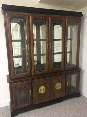 China cabinet, mirror back for Sale in Fulton, MD