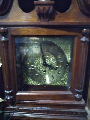 Nice 1984 Ridgeway mantel clock for Sale in Columbus, OH