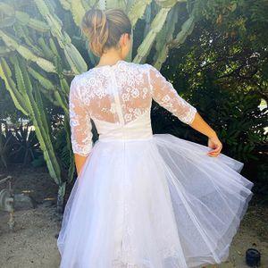 Tea Length Wedding Dress sz 4/6 for Sale in Oceanside, CA