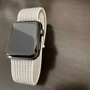 Apple Watch Series 3 /42 Mm for Sale in Helotes, TX