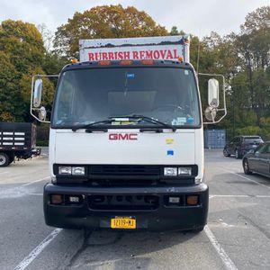 Vendo camión GMC T7500 box 18 ft,180,000 milla, Dump truck for Sale in Brooklyn, NY