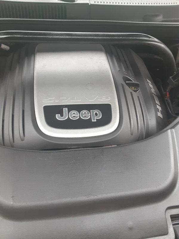 Jeep Cherokee 05 5.7 hemi.