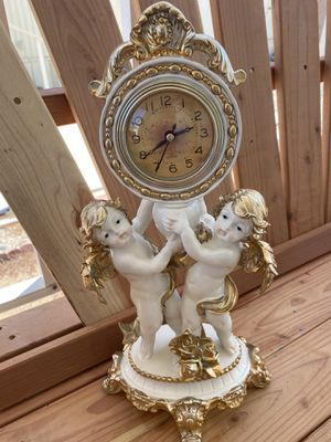 Beautiful Vintage Antique Gold Accent Angel Clock French Provincial 👼🏼🕰 for Sale in Moreno Valley, CA