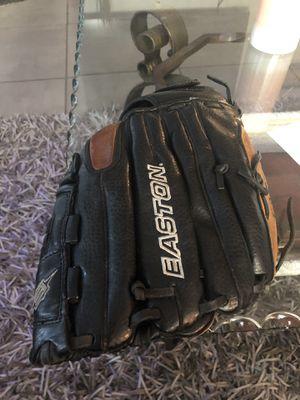 "Baseball glove 13"" inches for Sale in Tamarac, FL"
