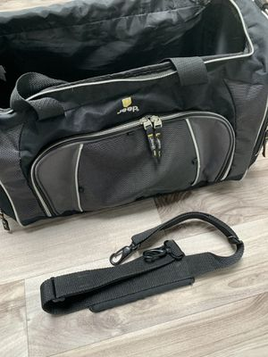 Jeep duffle bag w shoulder strap for Sale in Lake Stevens, WA
