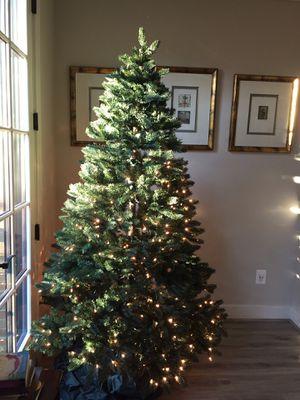 7' Christmas Tree w/ Storage Bag for Sale in Arlington, VA