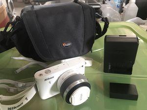 Nikon 1 Mirrorless Digital Camera like new for Sale in West Collingswood Heights, NJ