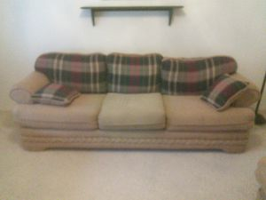 Sofa love seat for Sale in Heber-Overgaard, AZ