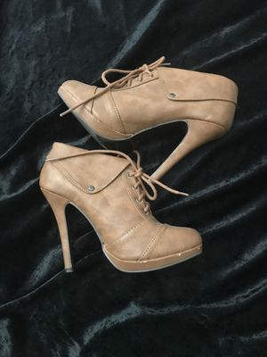 Heels women's for Sale in Calexico, CA