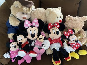 Minnie's and Plushies for Sale in Schaumburg, IL