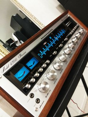 (MARANTZ) MODEL: 4300 Quad Receiver 100 Watts x 2 or 40 Watts x 4 Cleaned/ LED Lights & Wood CaseIn ... Rear right Ch comes on and off ... Needs work! for Sale in Las Vegas, NV