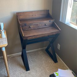 Wood Desk for Sale in Los Angeles,  CA