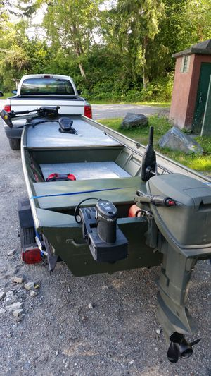 14ft Jon Boat Bass Conversion for Sale in Snohomish, WA