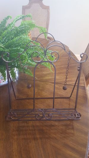 Really pretty cookbook stand for Sale in Aurora, OR