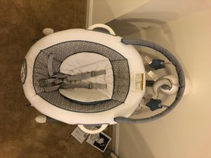 Graco Duet Baby Swing for Sale in Capitol Heights, MD
