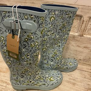 Women's Smith & Hawken Tall Floral Rain Boots for Sale in Laguna Niguel, CA