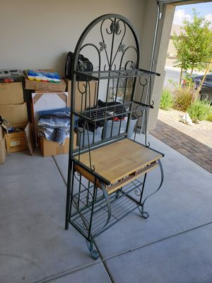 Metal/wood Ivy Bakers Rack/Microwave for Sale in North Las Vegas, NV