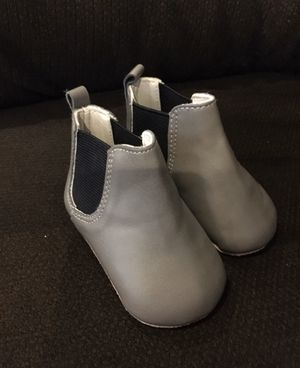 Baby Girl Gray Boots shoes size 3-6 months for Sale in Pico Rivera, CA