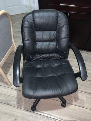 desk and chair for Sale in Coronado, CA