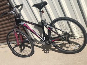 Mountain bikes schwion / next zx suspension for Sale in Sanger, CA