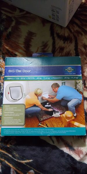 New pet door (for cats and small dogs) for Sale in Wichita, KS