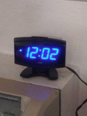 Nice clock for Sale in Covina, CA