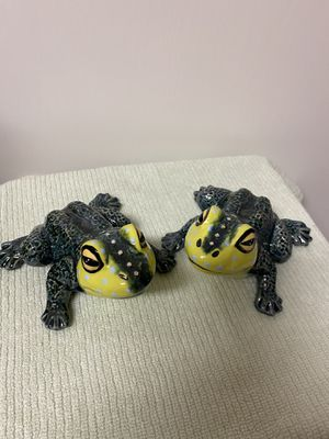 CERAMIC FROGS/YARD ART FROGS/HOME DECOR/CERAMIC ART for Sale in Sun City, AZ
