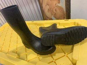 Women's Ugg rain boots size 9 for Sale in The Bronx, NY