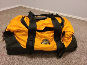 Cabela's Rolling Duffle Bag for Sale in Mesa, AZ