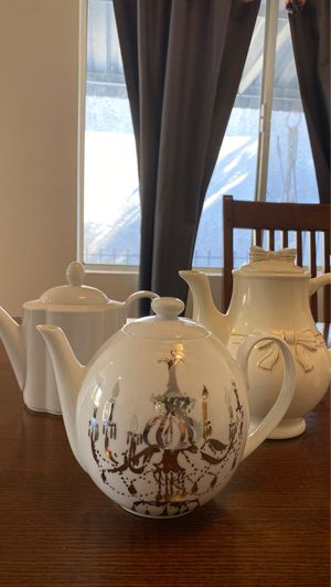 Teapots- set of 3 for Sale in Los Angeles, CA