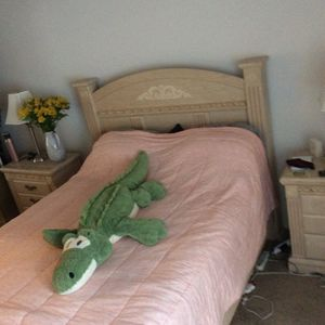 Solid Wood Queen Bed Frame & 2 Night Stands for Sale in San Diego, CA