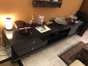 Beautiful Modern Entretainment Tv STand excellent condition black for Sale in Miami, FL