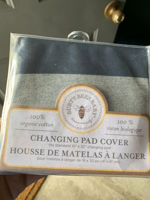 Burt's bee changing pad cover for Sale in San Jose, CA