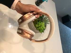 Bose headphones rose gold for Sale in Irvine, CA