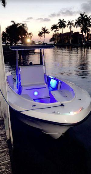 Mako 23.5ft for Sale in Lake Worth, FL