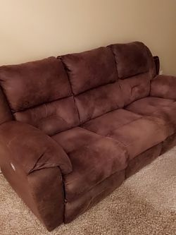 Brown Power Recliner for Sale in Broomfield,  CO
