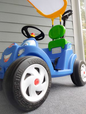Little Tikes Roadster for Sale in North Topsail Beach, NC