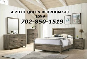 Beautiful wood queen size bedroom set collection 4 piece for Sale in Las Vegas, NV
