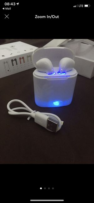 White wireless Bluetooth headphones earbuds audifonos for Sale in Denver, CO