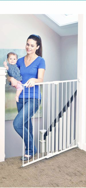 """Swing & Lock Baby Child Pet Gate-TALL 36"""" for Sale in Henderson, NV"""