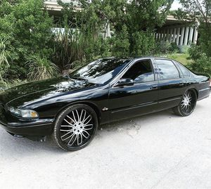 1996 Chevy impala ss for Sale in Hialeah, FL