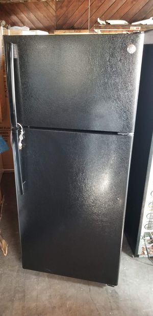 GE refrigerator for Sale in San Diego, CA