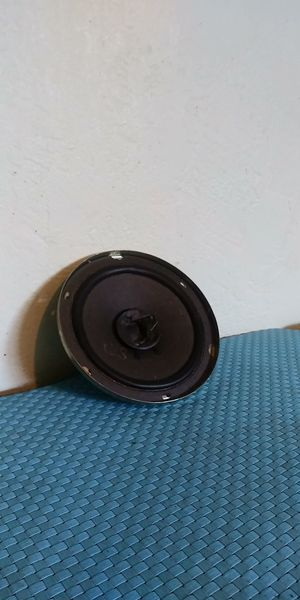 6 inch sub woofer for Sale in Fresno, CA