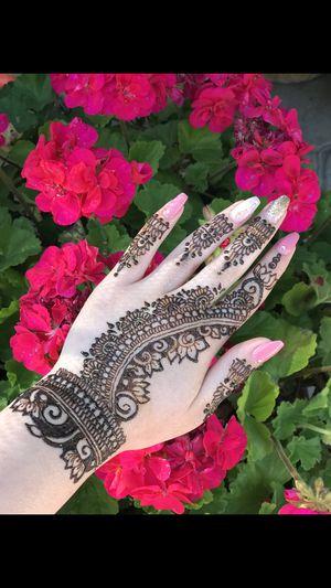 Henna, mehndi artist for Sale in Elk Grove, CA