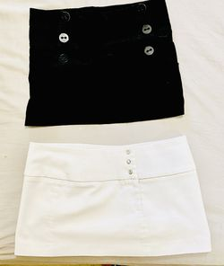 Medium size mini skirts for Sale in Wichita,  KS