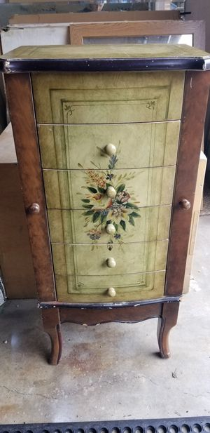 Beautiful Jewlery/Makeup Chest for Sale in Portland, OR