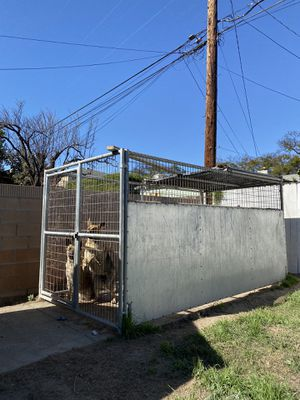 Dog kennel (heavy duty) for Sale in Lakewood, CA