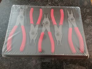Snap-on Tools Snap Ring Pliers set 5 piece for Sale in Romeoville, IL