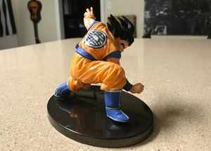 GOKU FIGURE OG POSE for Sale in Tallahassee, FL